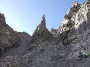 Campanile di San Chiaffredo, a destra Stefano sale verso il vicino attacco