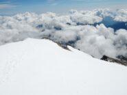 Dalla cima, sguardo sulla Punta Giordani