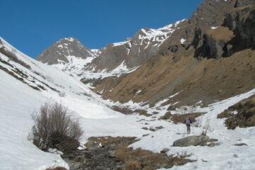 Lo stretto vallone di salita   I   Le denier vallon de la montée   I   The narrow ascent valley   I   Das enge Tal des Aufstiegs   I   El estrecho valle de subida