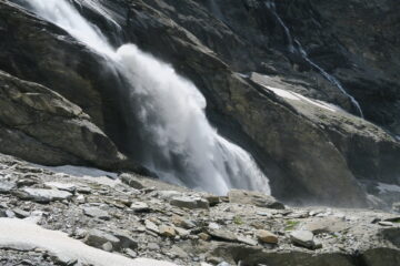 la cascata che ho costeggiato in discesa