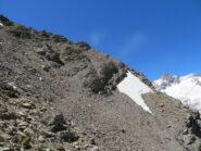 Il traverso delicato sotto la cima; sfondo Aig. des Glaciers