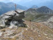 Salendo lungo la cresta; vista sul col Fetita