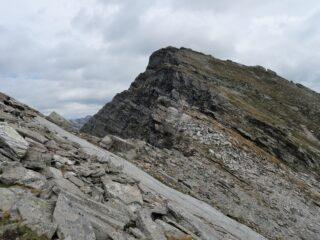La Scheggia vista da poco sotto la cima
