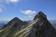 Pizzo del Fornale e roccette della cresta viste dalla Bocchetta di Loccia Carneria
