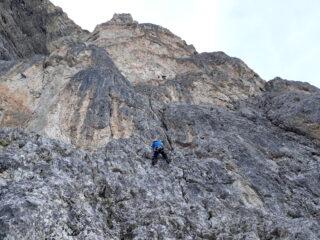 Primi metri d'arrampicata.
