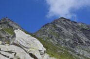 Verso la Bocchetta di Loccia Carneria con la cima sulla destra