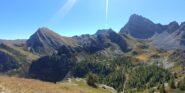 Dalla cima verso Rocca la Meja e Monte La Bianca, con il Lago Nero