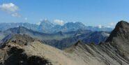 Panorama dalla cima verso Gran Combin e Velan. A sx cresta di salita, a ds vera Aig. des Angroniettes