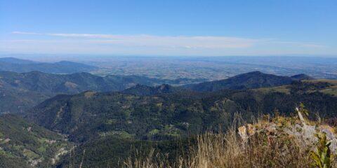 Panorama dalla cima verso la pianura