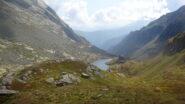 Uno sguardo indietro verso il rifugio Vallanta salendo verso il passo di Vallanta