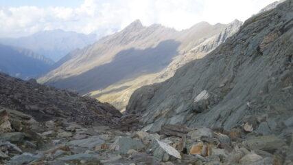 Affaccio sul Queyras dal passo Vallanta: in lontananza il refuge du Viso