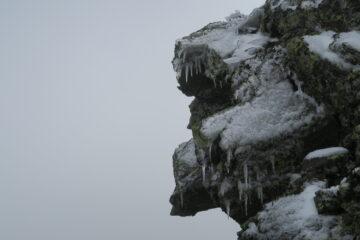 questa roccia con gli artigli ghiacciati incuteva un certo timore