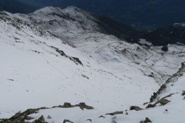 la traccia di salita con la Punta Chaligne a sinistra