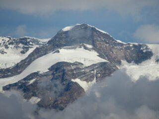 Una breve apparizione del Monte Rosa