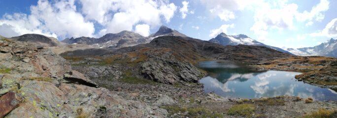 Panorama dal lago di San Martino: dalla Becca di Giasson alla Grande Sassiere