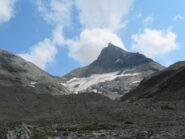 La P.ta Bassac nord, con ciò che resta del ghiacciaio del Truc Blanc