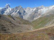 Il vallone di Combetta, con sfondo catena Bianco