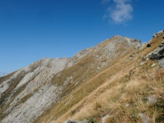 Il versante Ovest dove passa l'ultimo tratto della via normale