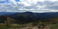 panorama dalla vetta verso il monte delle Figne e il mare