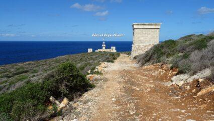 Faro di Capo Grosso in vista.