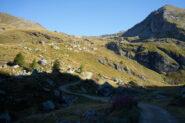 Poco prima di iniziare la salita verso Alpe Palasina. Si vede rifugio Arp e sulla destra Punta Valfredda
