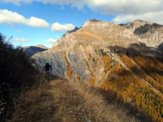 dal colle si pedala verso la cima Varirosa