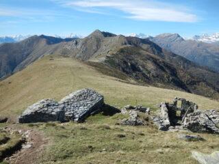 la panoramica dorsale ovest del Monte Soglio