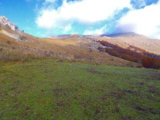 il Monte Prapian a dx con la nuvola sulla cima