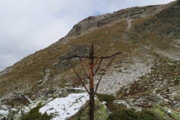 caratteristica croce prima dell'ultima salita per il colle di viou