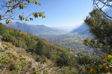 Aosta vista dal sentiero che sale a Ville sur Sarre