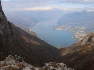 La vista sul lago dalla cresta sud del Moregallo