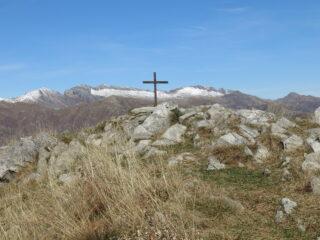 La cima con la piccola croce