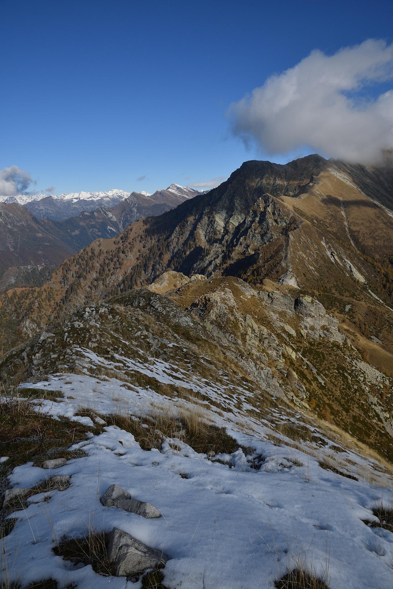 Neve appena a Nord della cima