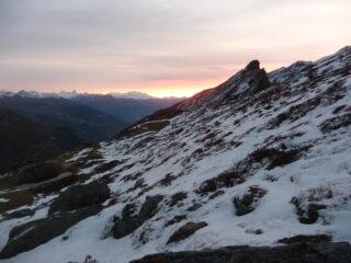 Arriva l'alba già sci ai piedi