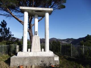 La stele sul Monte Spassoja