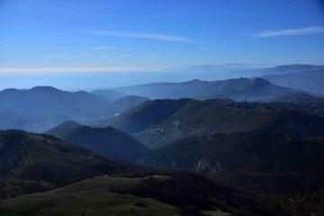 Veduta verso Sud-Ovest dalla cresta Sud dell'Alpesisa