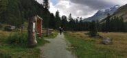 l'inizio del sentiero nella lunga e ampia Val Roseg