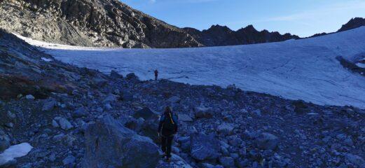 arrivando all'inizio del ghiacciaio da risalire (Vadrettin da Tschierva)