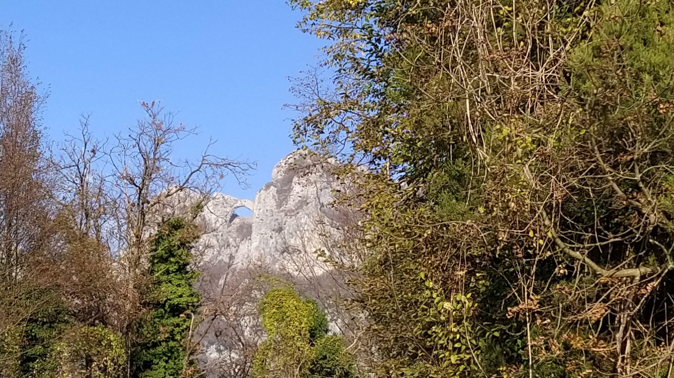 Monte Forato da lontano