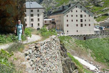 Hospice et auberge du Col du Grand Saint-Bernard