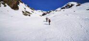 risalendo la parte intermedia del Vallone del Viona su neve in ottime condizioni