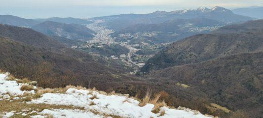 la Valbisagno e una parte di Genova osservati dal Monte Carossino