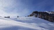 La tanta neve ingentilisce ogni angolo della valle