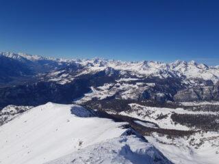 Vista sulla ampia cresta