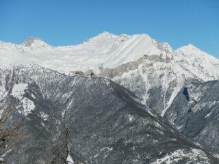 dalla cima: il Monte Seguret e Cima del Vallonetto