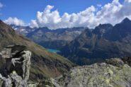 Lago di Place Moulin e alta Valpelline dal Mont de la Tsa