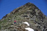 Risalendo la cresta Est del M.Ferra