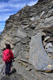 Scendendo dalla Grande Sassiere - Saltino per superare la seconda fascia rocciosa