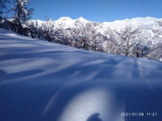 Giochi d'ombra e di luce sulla neve (foto A. Valfrè)