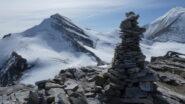 il grande ometto di pietre della cima e il Brunegghorn